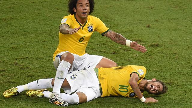 Neymar voelde benen niet meer na knie in rug