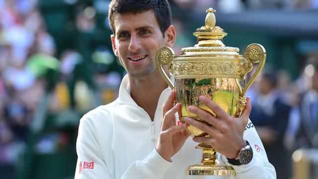 Djokovic verovert Wimbledon-titel met zege op Federer