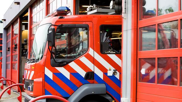 Grote brand in een vrachtschip in Westpoort