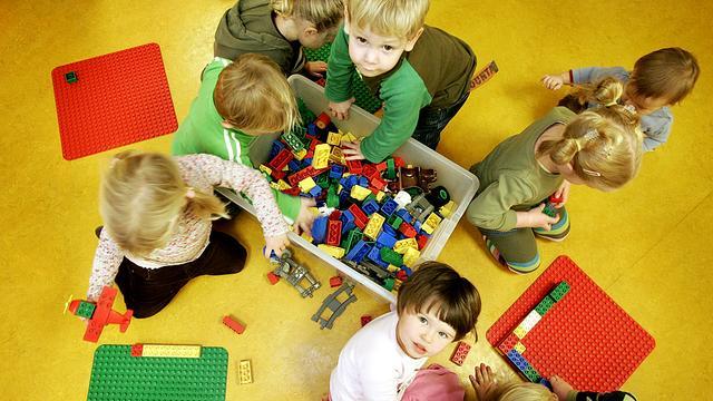 Kinderen delen kennis bij oplossen puzzels