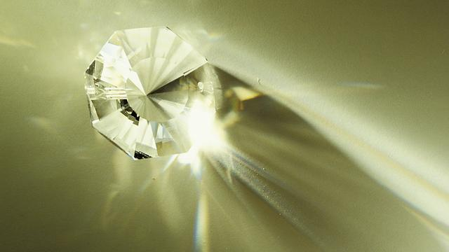 Belgisch bedrijf komt met diamanten nepnagel
