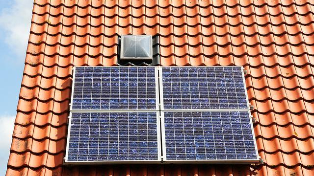 Meer zonnepanelen op huurhuizen