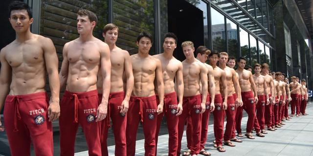 Abercrombie & Fitch maakt campagne met kussende mannen