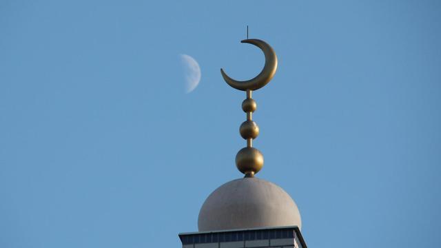 Bedreigde imam maakt even pas op de plaats