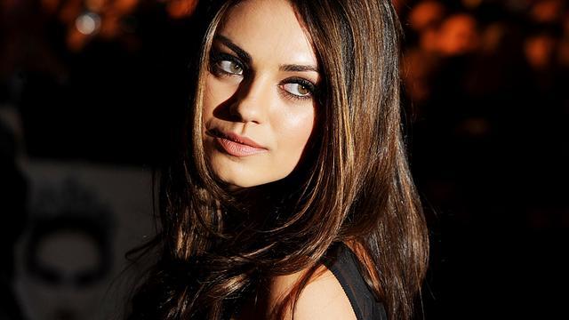 Mila Kunis als demon in Hell & Back
