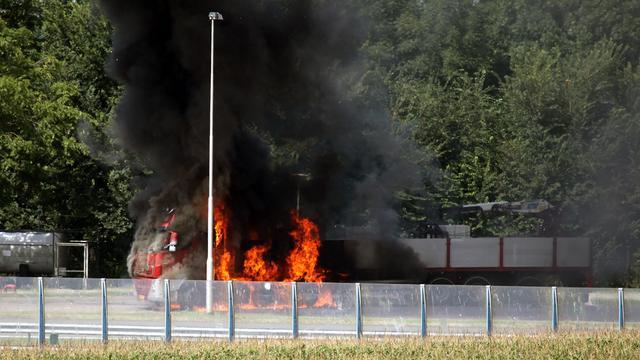 Vrachtwagen in brand langs A28