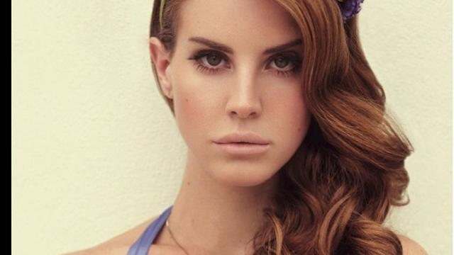 Lana Del Rey geeft optredens op begraafplaats