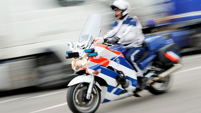 Politie rijdt verdachte klem na ruzie op Slotermeerlaan