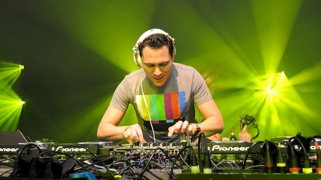 Tiësto remixt Somebody That I Used To Know