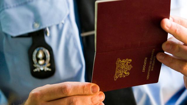 Geen paspoort na weigeren vingerafdruk