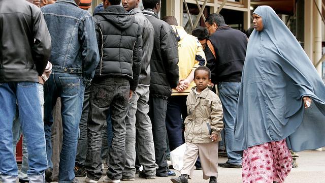 Iets minder vluchtelingen naar Nederland