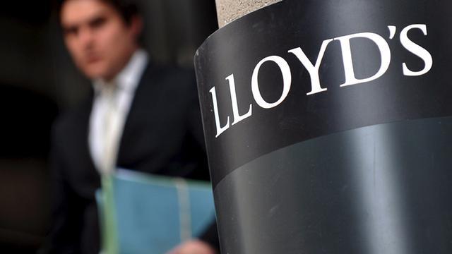 Lloyds diep in rode cijfers