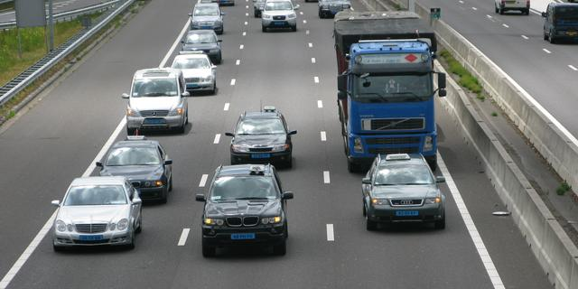 A10 bij Amsterdam tijdelijk dicht na aanrijding