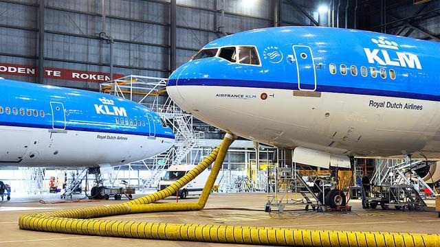 KLM laat passagiers buurman kiezen via sociale media
