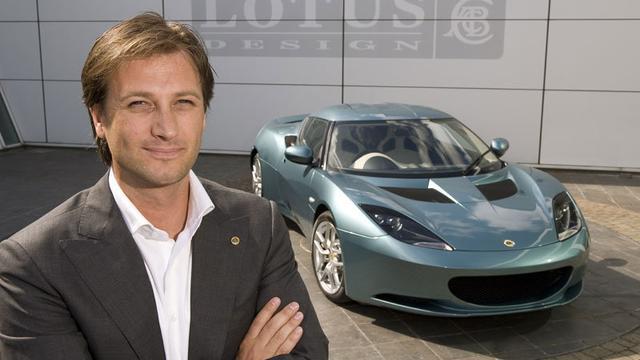 Ex-CEO klaagt Lotus aan