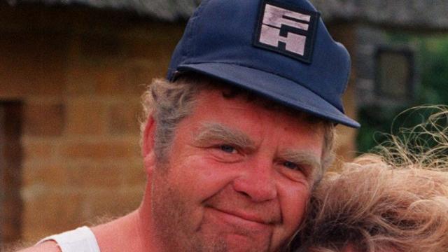 Geoffrey 'Onslow' Hughes overleden