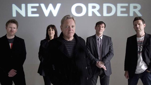 New Order brengt de nieuwe documentaire Decades uit
