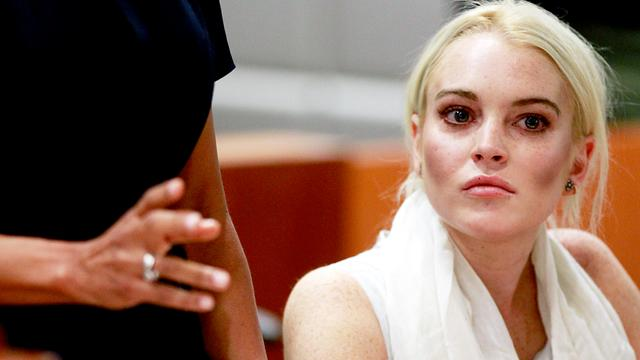 Lindsay Lohan werkt hard in mortuarium
