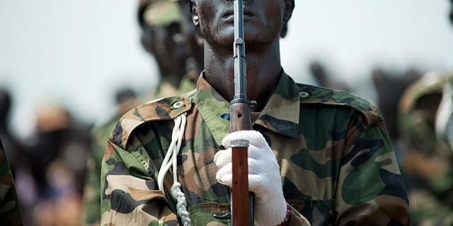 'Kabinet Zuid-Sudan veel te groot'
