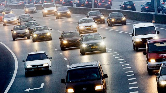 Herstel verzakte A20 in Rotterdam duurt tot na weekeinde