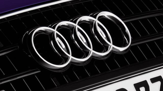 Bulgaarse Audi, busje en scooter gaan in vlammen op