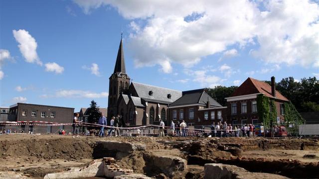 Middeleeuwse toren gevonden tijdens graafwerkzaamheden in Wageningen