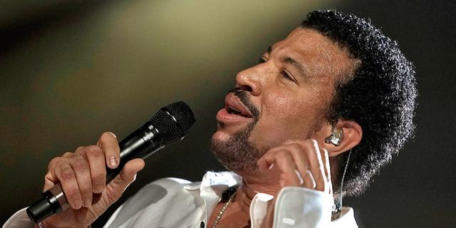 Lionel Richie maakt zich zorgen om stem