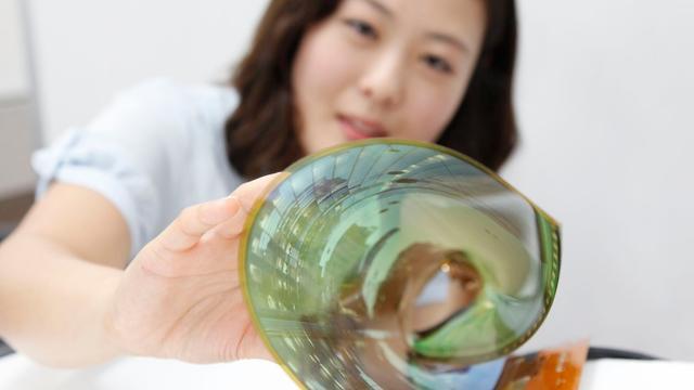 Nieuwe technologie maakt flexibelere schermen stuk goedkoper