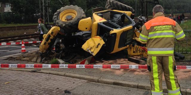 Trein ontspoord bij Maastricht na aanrijding met bulldozer