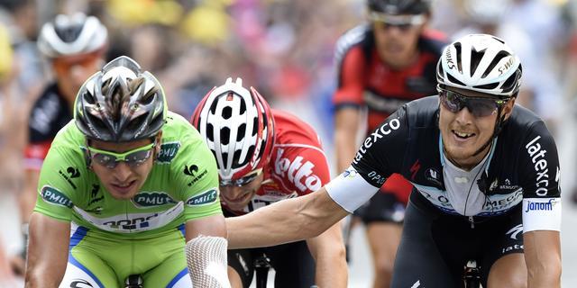 Trentin klopt Sagan in sprint zevende etappe Tour