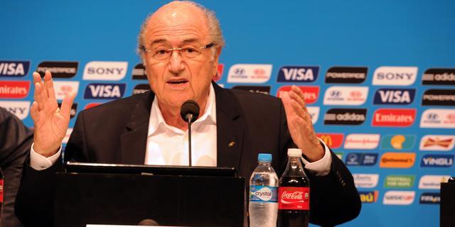 Blatter: 'Ik hoop dat Suarez sterk terugkomt'