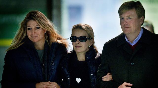 Willem-Alexander, Máxima en Mabel naar Friso