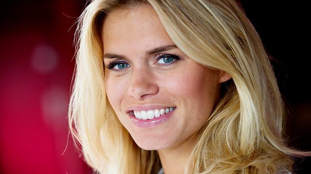 Nicolette van Dam bevallen van meisje