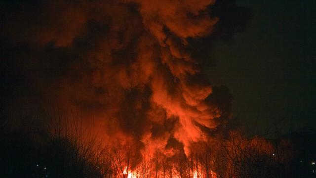 Valkenburg onder de rook door grote brand