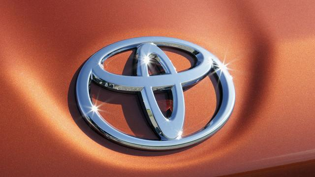 Toyota roept 422 duizend auto's terug