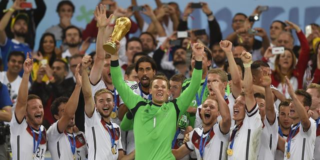 Lahm en Neuer roemen collectief na veroveren wereldtitel