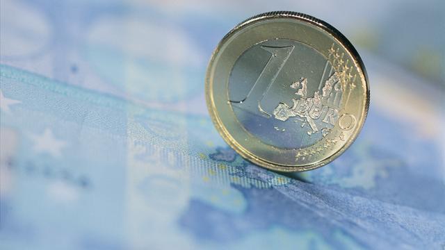 Euro zakt verder