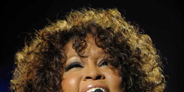 Whitney Houston zorgt voor rel in vliegtuig