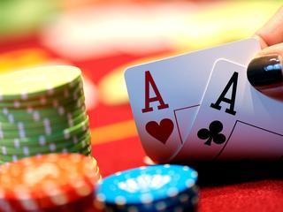 De kans op de zeldzame kaartencombinatie is 0,00015 procent
