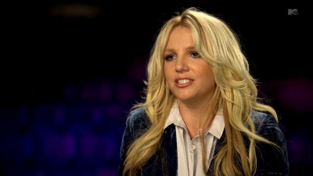 Britney Spears viert dertigste verjaardag op ijs
