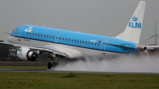 KLM-toestel keert terug naar Schiphol