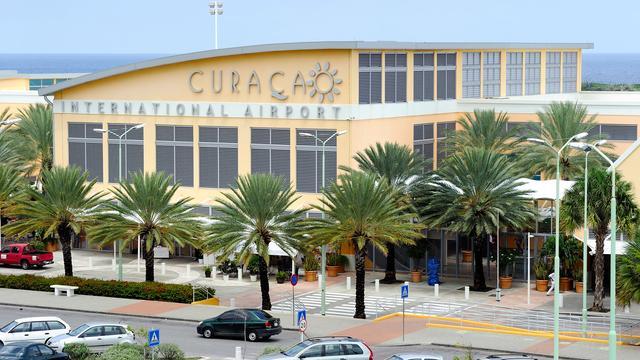 OM eist levenslang voor schietpartij luchthaven Curaçao