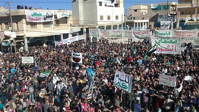 Syriërs bestormen ambassades