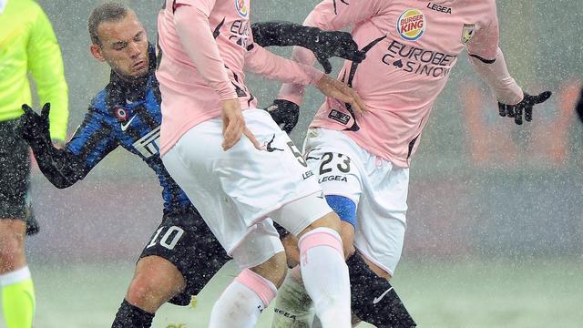 'Ik wisselde Sneijder omdat hij geblesseerd was'