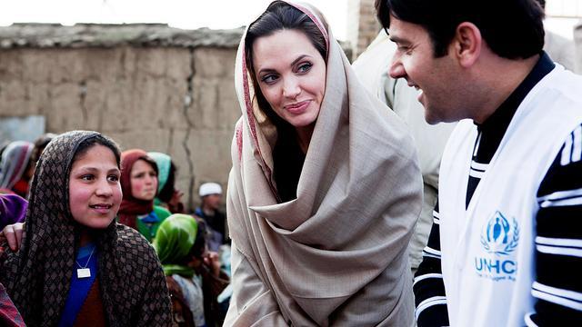 Angelina Jolie wilde begrafenissen organiseren