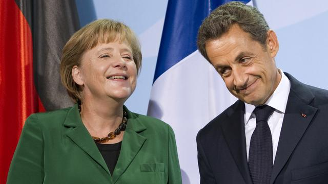 'Merkel en Sarkozy werken aan nieuw europact'