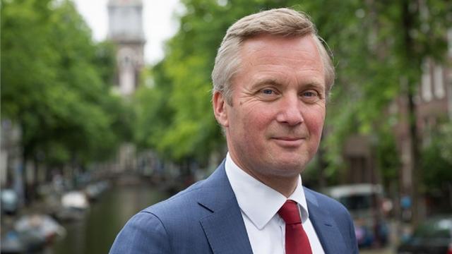 Eric van der Burg nieuwe ambassadeur Amsterdamse Reddingsbrigade