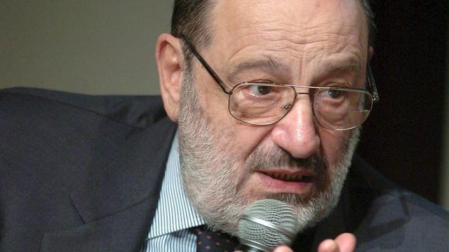 Umberto Eco krijgt Vrede van Nijmegen Penning