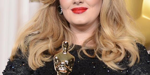 'Platenmaatschappij Sony wil Adele binnenhalen'