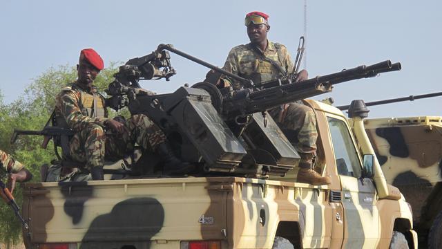 Weer dorp in noordoosten Nigeria aangevallen